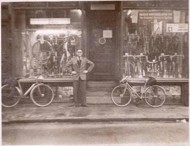 Woodrup Cycles, Leeds old photo