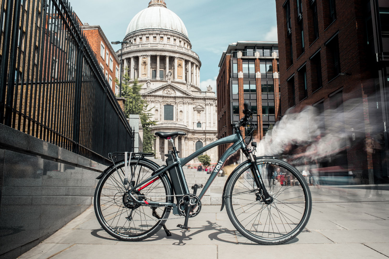 Volt Pulse X Hybrid E-bike in City of London